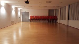 Kulturni center Ravne